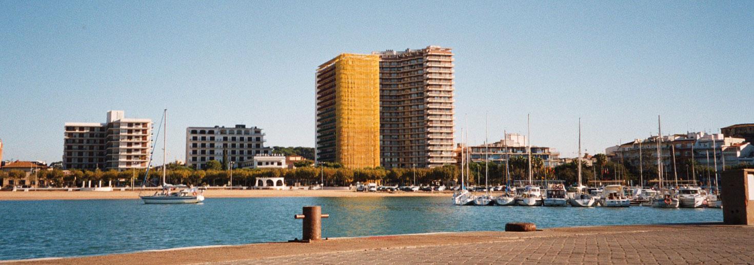 Pintura Façana - Rehabilitació del edifici Empordà de Palamós Girona-pintors