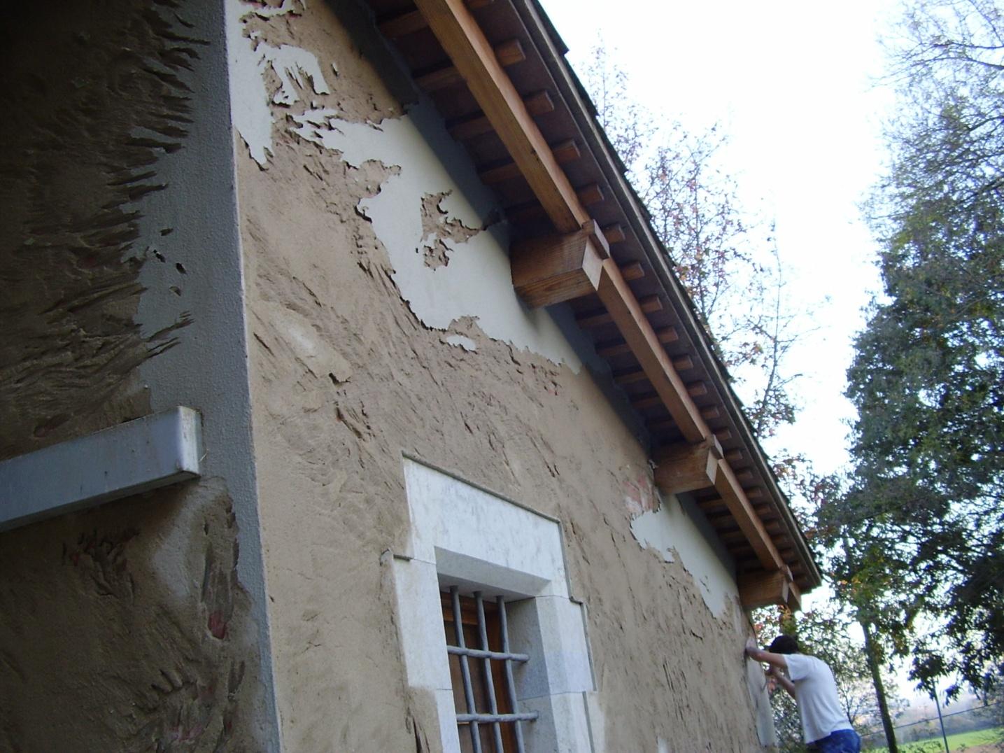 Rehabilitacion paso a paso de una fachada en Girona