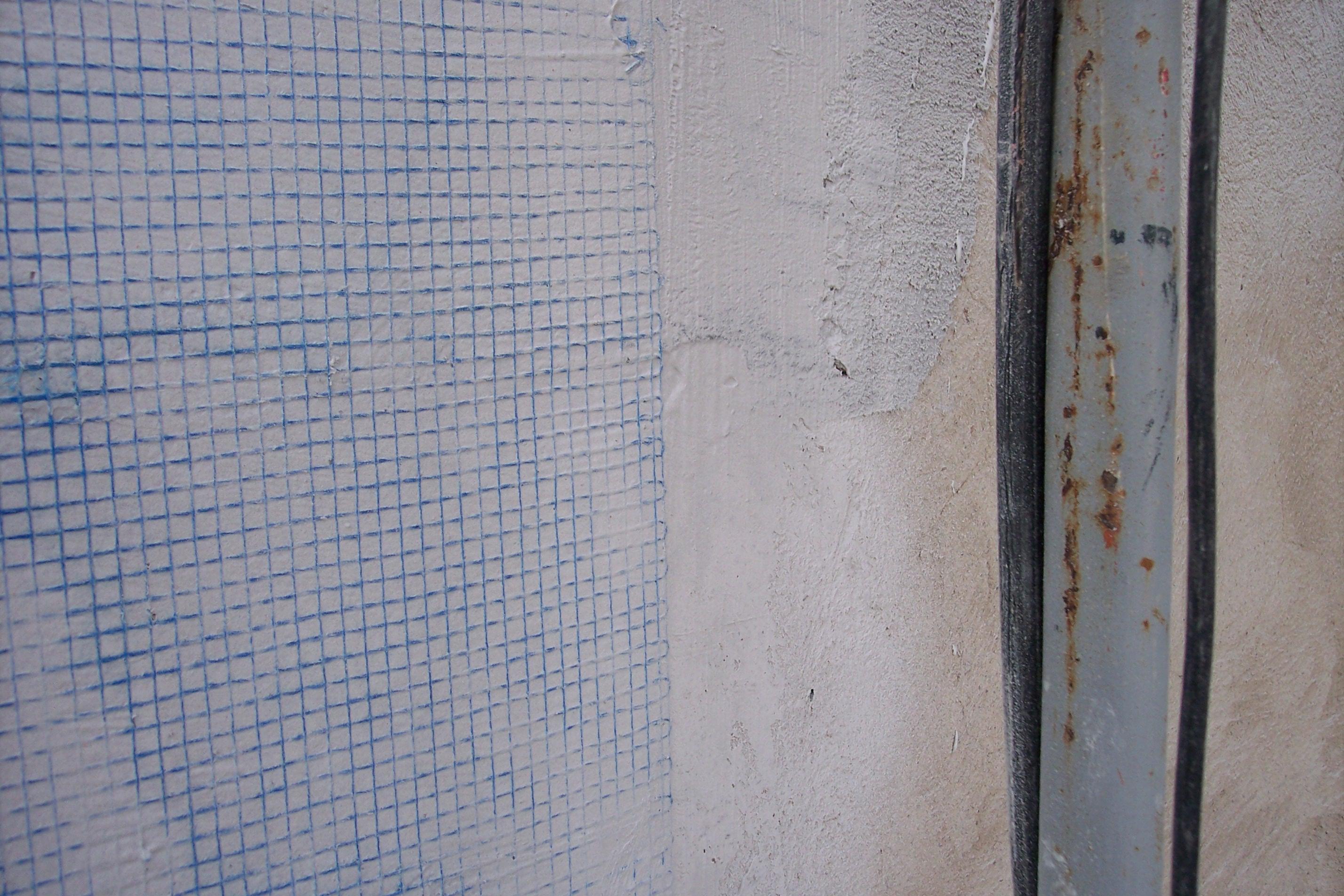 Malla antigrietas para rehabilitar fachada Girona Pintors Caldes de Malavella