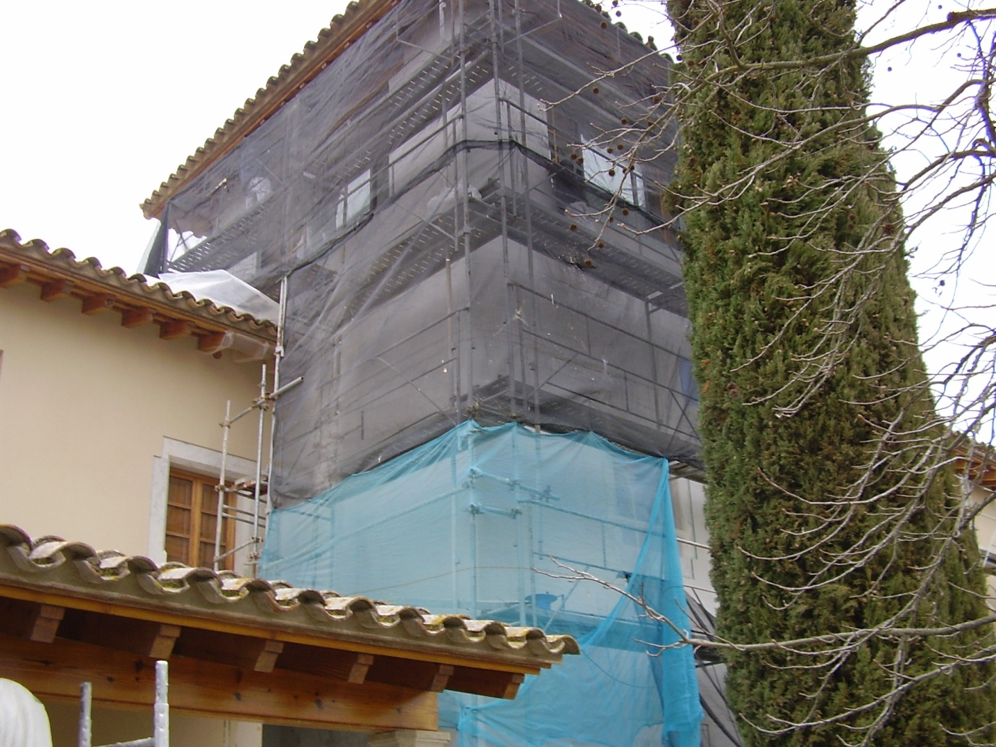 montaje de andamios para una buena rehabilitacion de fachada