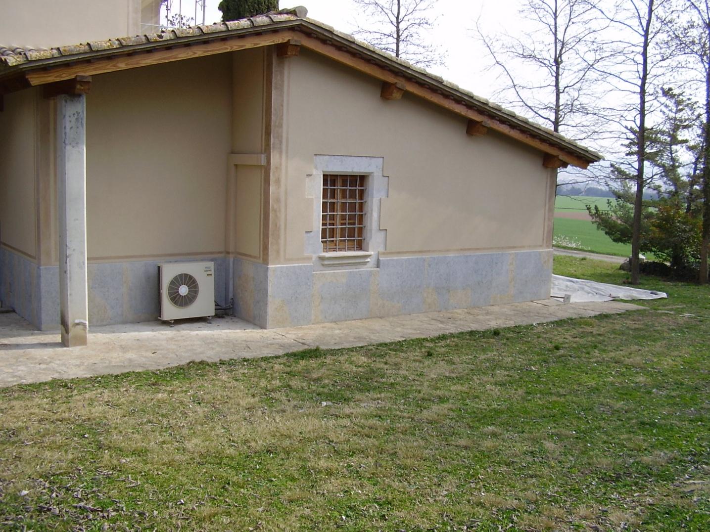 fachada rehbilitada en Girona