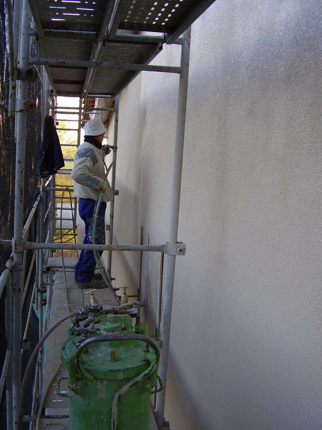 La mejor solucion para la rehabilitacion de tu fachada es el proyectado de pasta petrea