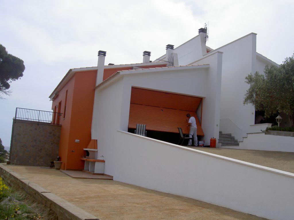 Rehabilitacio de una façana a Lagostera per Girona pintors